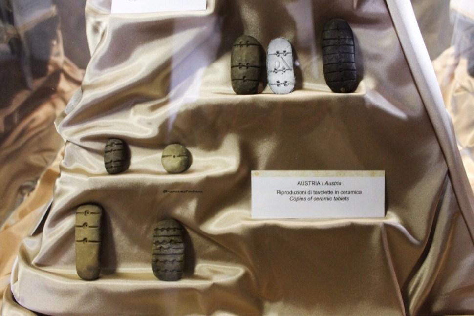 tavolette_enigmatiche_austria_museo_preistoria_valentano