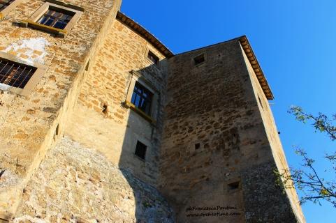 Montecalvello: veduta esterna del Castello