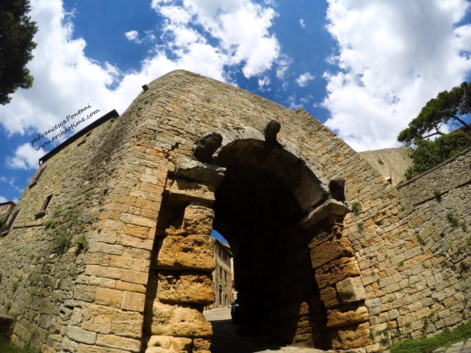 Porta_Etrusca_Volterra_Francesca