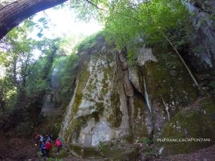 soriano_nel_cimino_bosco_didattico_parete_roccia