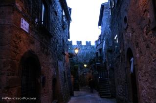 vitorchiano_blu_merli_mura_medievali