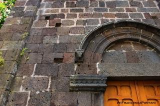 santu_lussurgiu_chiesa_san_leonardo_portale_dettaglio_sardegna_templari