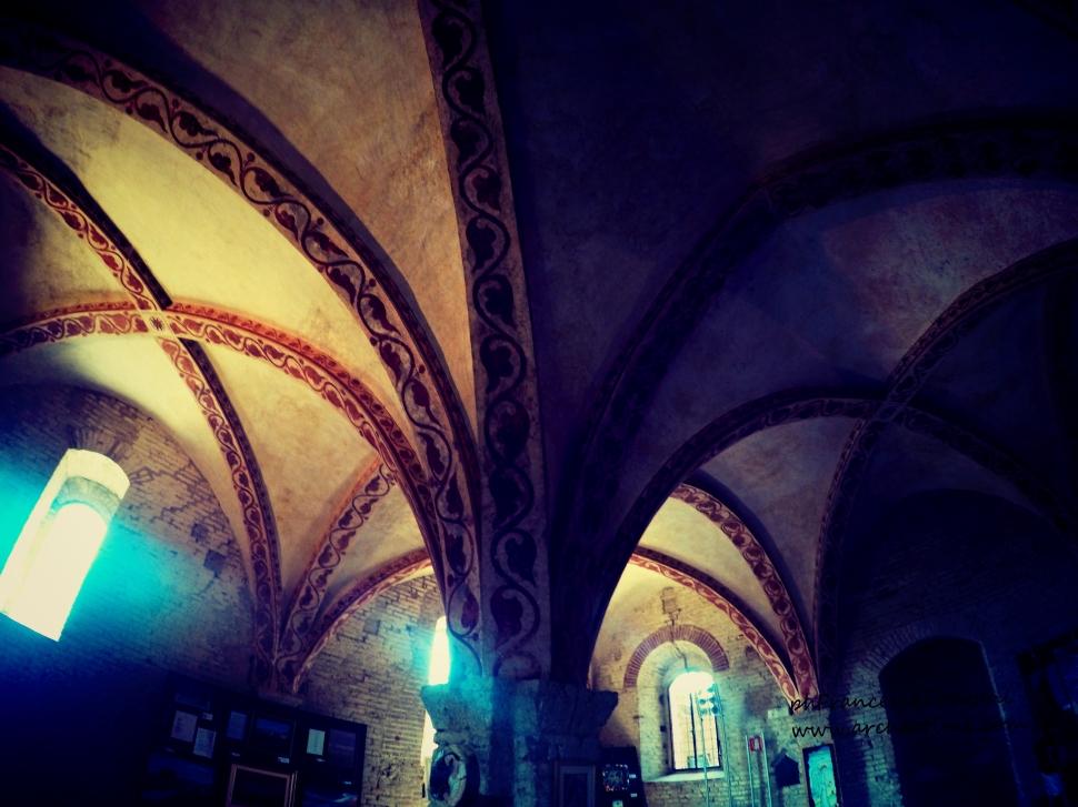 San_Galgano_Sala_capitolare_Francesca_Pontani_Appunti-Disordinati-di-Viaggio