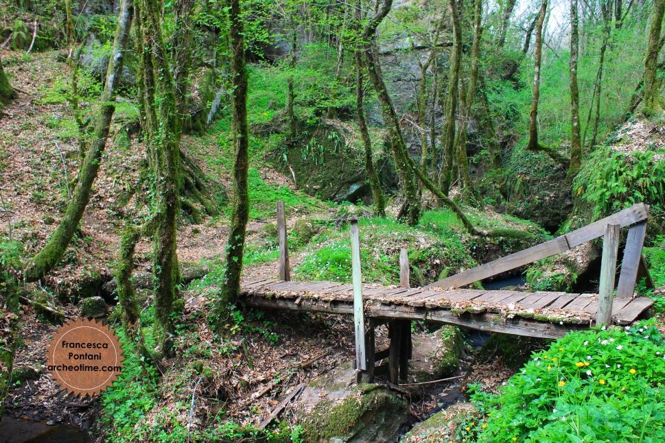 Valle_Oscura_Soriano_nel_Cimino_ponte_di_legno
