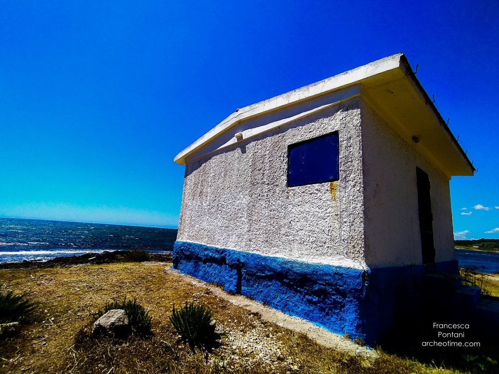 La Frasca-Civitavecchia-casetta blu e bianca-Francesca Pontani-ArcheoTime.jpg