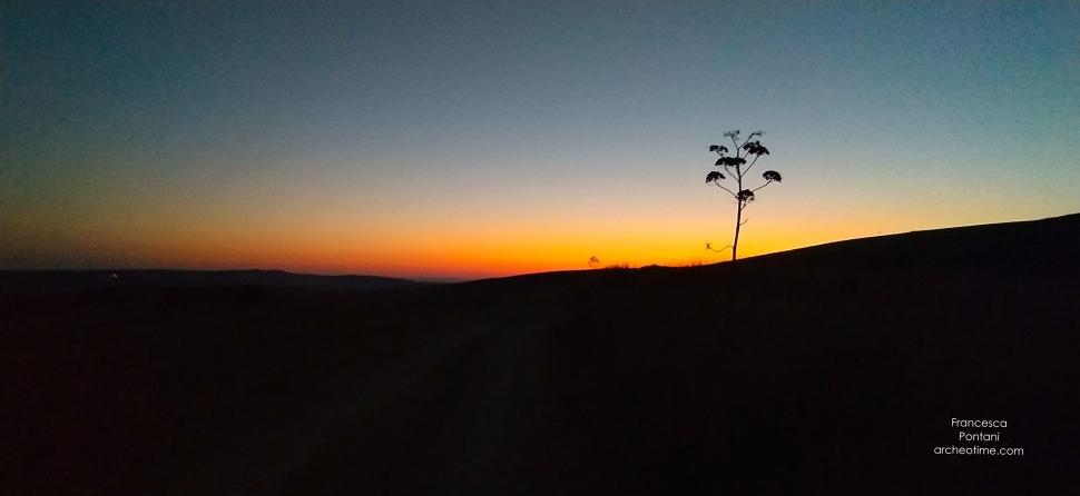 Poggio Gallinaro di Tarquinia- la ferla-l'alba